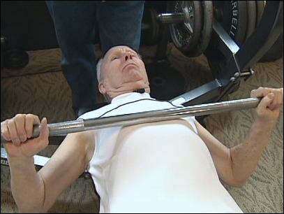 DICK GIBSON, EUGENE, OR, BREAKS BENCH RECORD (image courtesy kval.com)